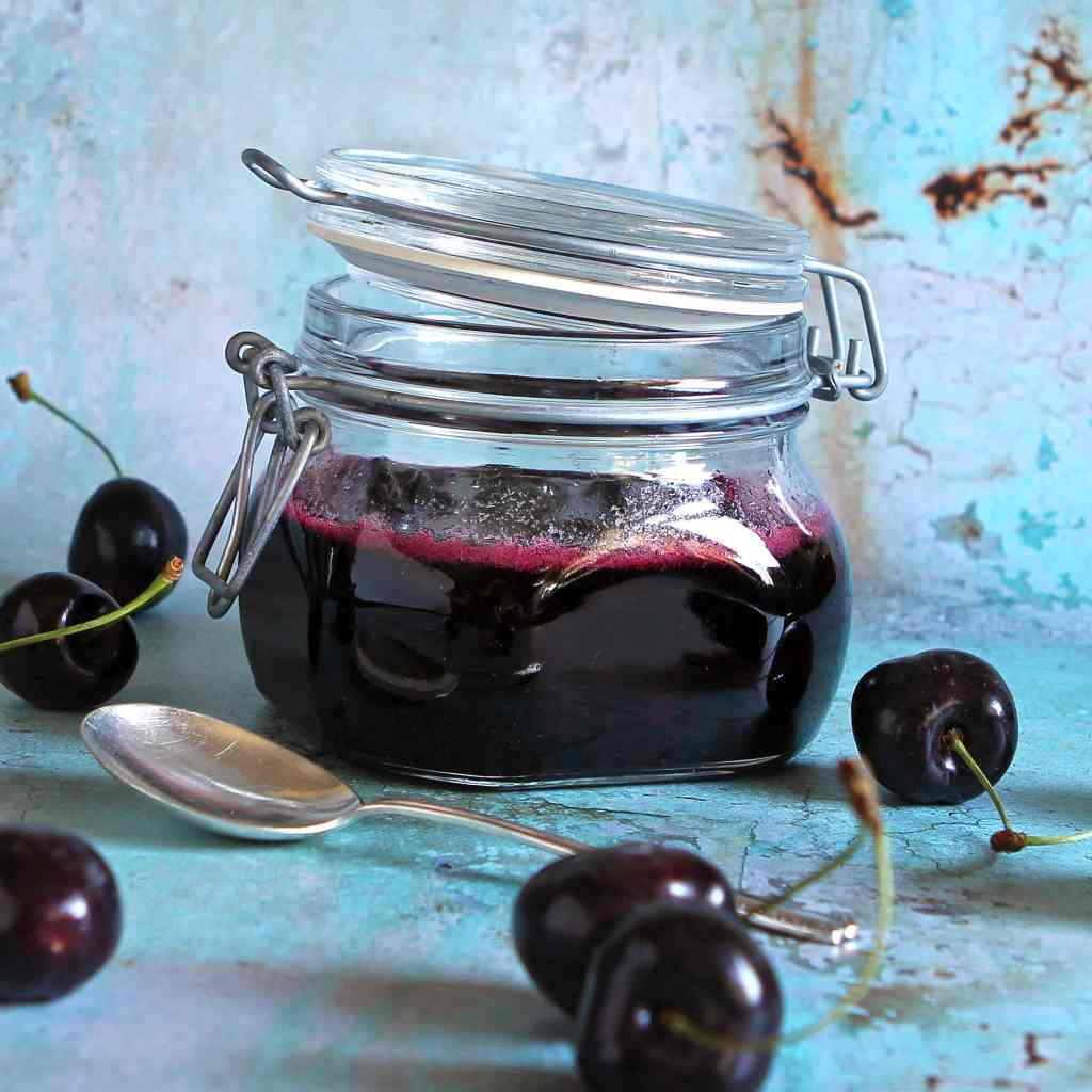 homemade-candied-cherries-jar