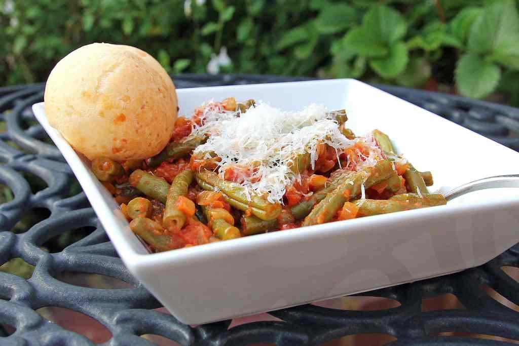 italian-beans-tomatoes-dish