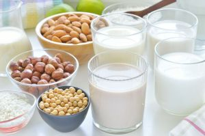 Different Vegan Milks.