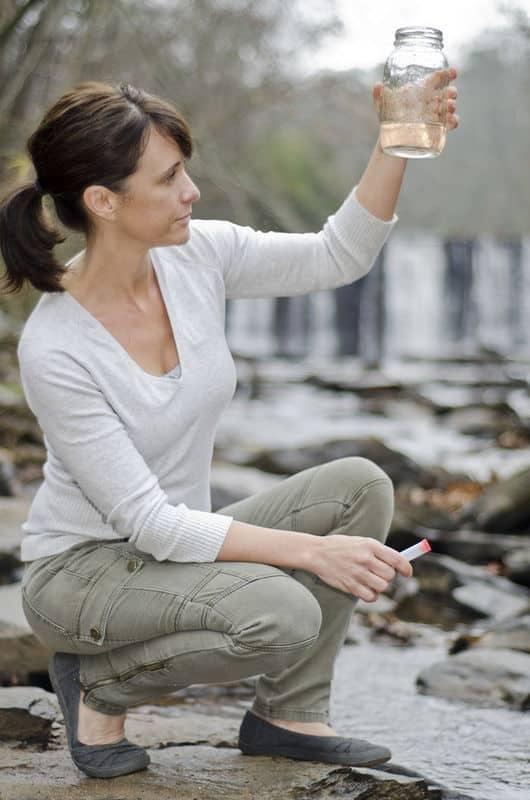 Women_testing_water