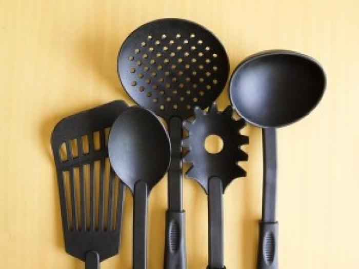 cookware-182788_640