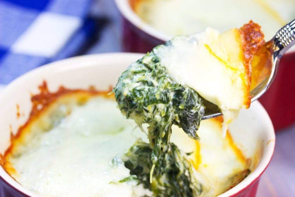 Learn how to make three-cheese mini spinach pies   Healthy Easy recipe   grain free crust   Cauliflower crust   Low-Carb