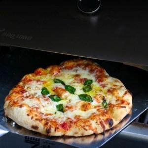 BBQ-Toro Edelstahl Pizzaaufsatz für den Gasgrill