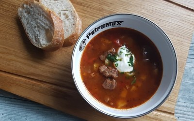 Dutch Oven Gulaschsuppe