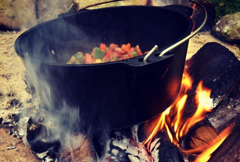Valhal Dutch Oven im Feuer