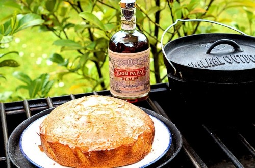 Rumkuchen aus dem Dutch Oven