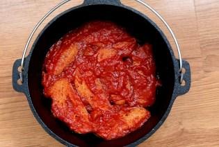 Brotscheiben mit Tomatensoße