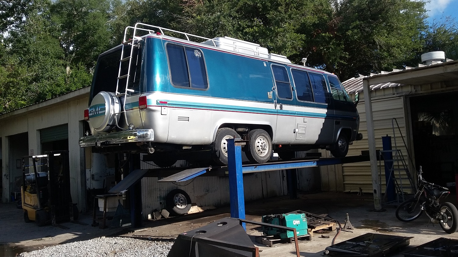 GMC Motorhome, ABS holding tanks - Cooperative Motor Works
