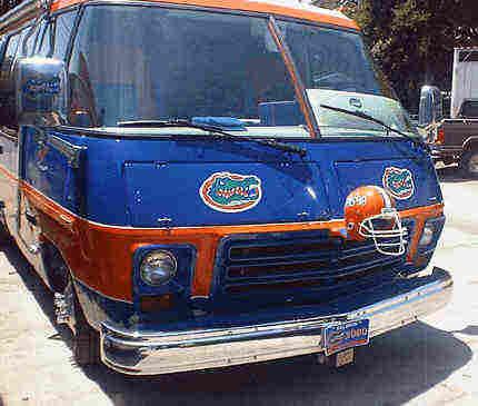 Gator coach front.jpg (123721 bytes)