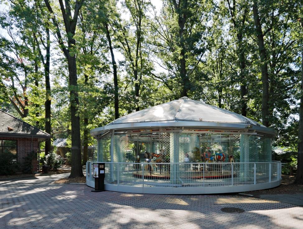 proj-si-zoo-carousel-000