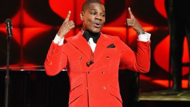 Photo of Kirk Franklin Sings 'Love Theory' LIVE at the Super Bowl Gospel Celebration 2019
