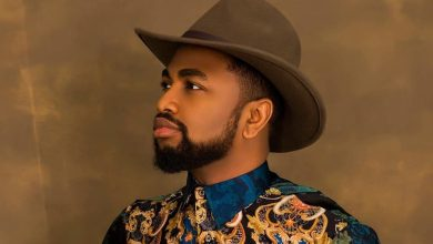 """Photo of Wole Oni Showcases Musical Prowess on """"Iwa Rere"""" ft. Bois Olorun"""
