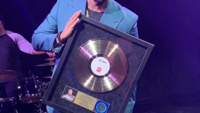"Photo of Vashawn Mitchell's Timeless Hit ""Nobody Greater"" Goes Gold!"