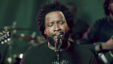 Photo of 'Pillar Of Fire': Sonnie Badu Drops New Song, Video ft. RockHill Songs