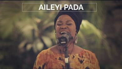 Photo of 'Aileyi Pada': TY Bello's Spontaneous Worship with Sola Allyson