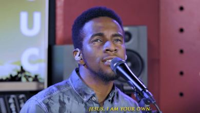 "Photo of I Am ""Yours"": GUC Declares in New Song, Live Video"