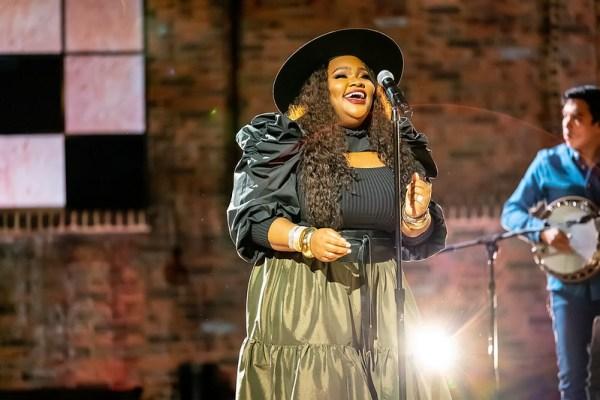 Tasha Cobbs Leonard_Dove Awards 2020