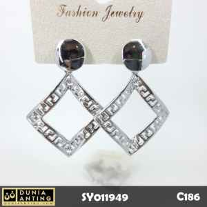 C186 Anting Tusuk Giwang Circle Square Ukir Silver Platinum 4,7cm