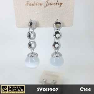 C144 Perhiasan Anting Triple Ring Bola Mutiara Kristal Silver 4,5 cm