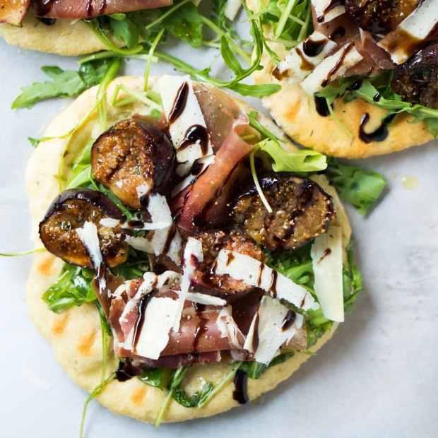 Fig & Prosciutto Gluten Free Grilled Pizza ?#glutenfree #pizza #figs