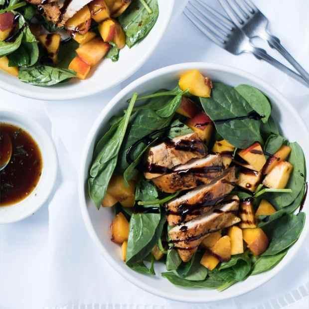 Grilled Chicken & Peach Salad ? #chicken #peach #salad