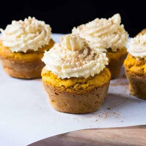Gluten Free, Keto & Paleo Pumpkin Cupcakes ?