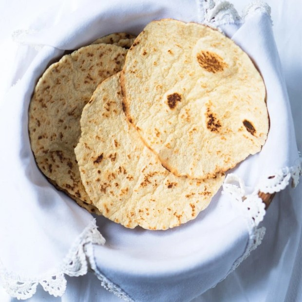 15-Minute Gluten Free & Keto Tortillas 🌮 Suuuper pliable, just 1 egg, & 2g net carbs!