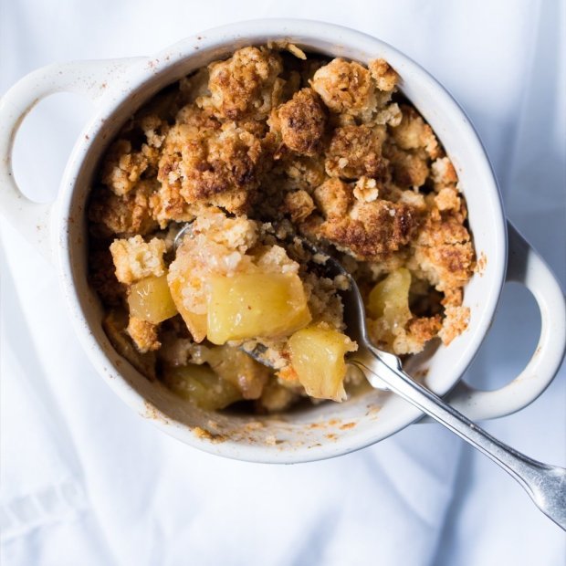 Crunchy Pear and Almond Crumble ? gluten free & vegan