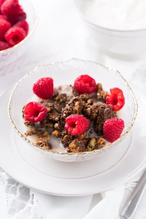 Suuuper Crunchy Grain-Free & Keto Granola 🥄 3g net carbs #ketocereal #ketogranola #lowcarbcereal