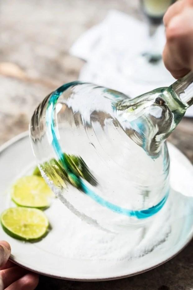 Skinny Frozen Paleo & Keto Margarita 🍹 #keto #ketorecipes #lowcarb #healthyrecipes #mexican #cocktails #margarita