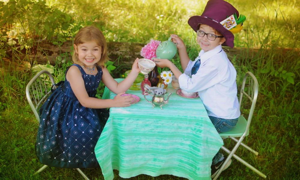 mad_tea_party_by_piratedpictures-da8180b