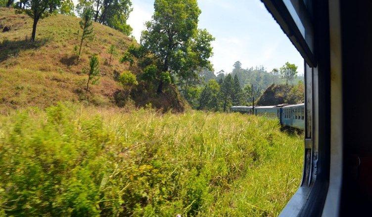 kandy to nuwara eliya train