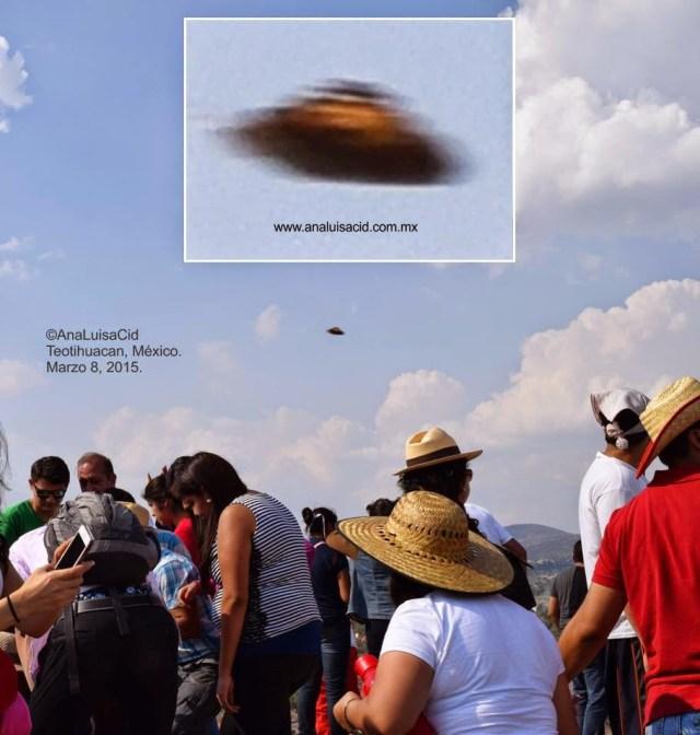 Inúmeras naves são fotografadas sobre as pirâmides, tanto as mexicanas quanto as egípcias e também de outros sítios
