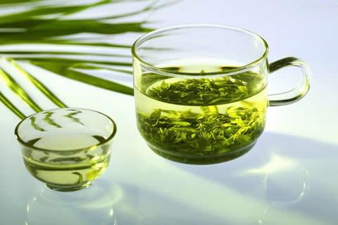 الشاي الأخضر بالهيل - الحبهان