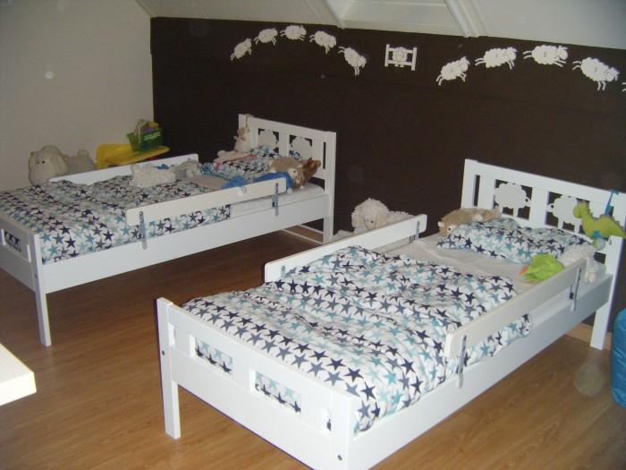 Tweeling samen op een kamer slapen of toch apart go or no go - Jaar oude kamer van de jongen ...