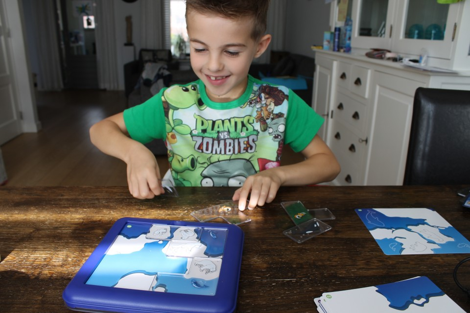 { Review } | SmartGames North Pole Expedition + WIN!