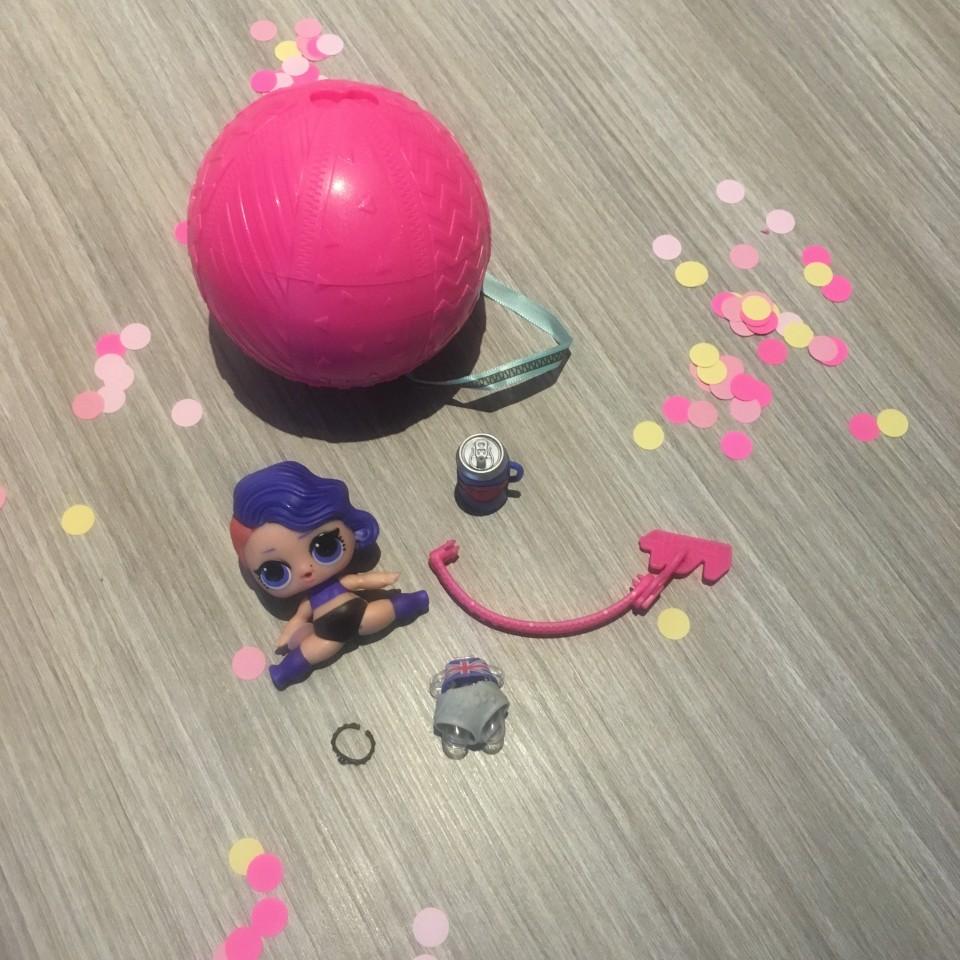 review Surprise confetti pop