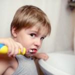 Wanneer is je kind oud genoeg voor een elektrische tandenborstel?