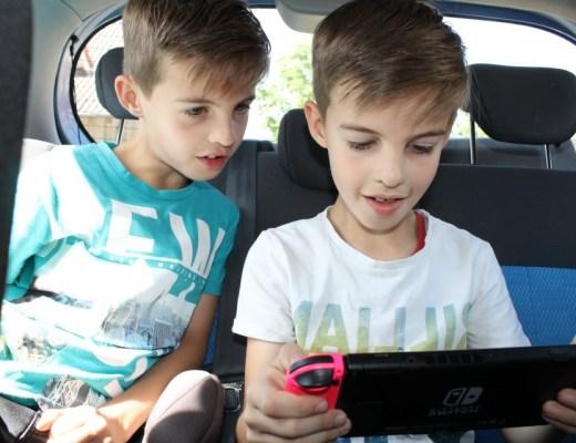 Nintendo Switch auto gezinsvakantie autovakantie met het gezin