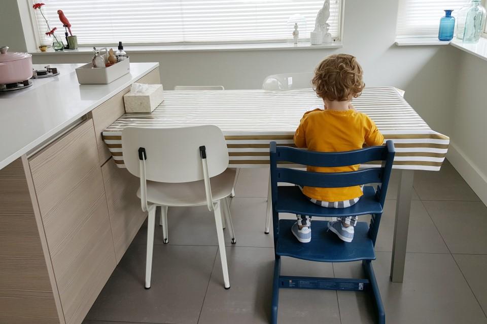 stokke midnight blue nieuwe kleur stoel