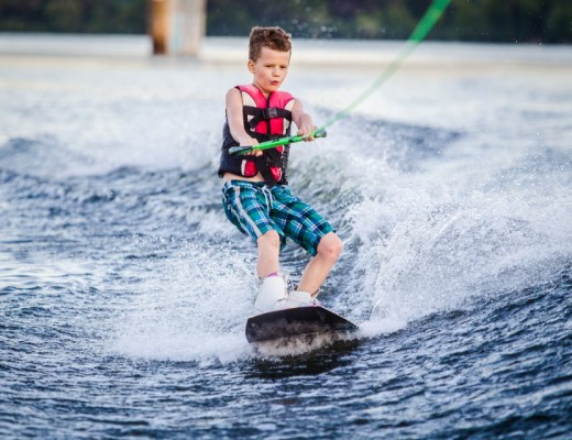Wakeboard kind wakeboarden