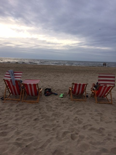 tentvakantie kamperen strand zee