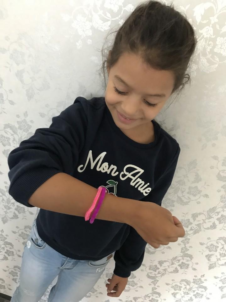 Maak zelf glitter armbandjes met blazelets style studio