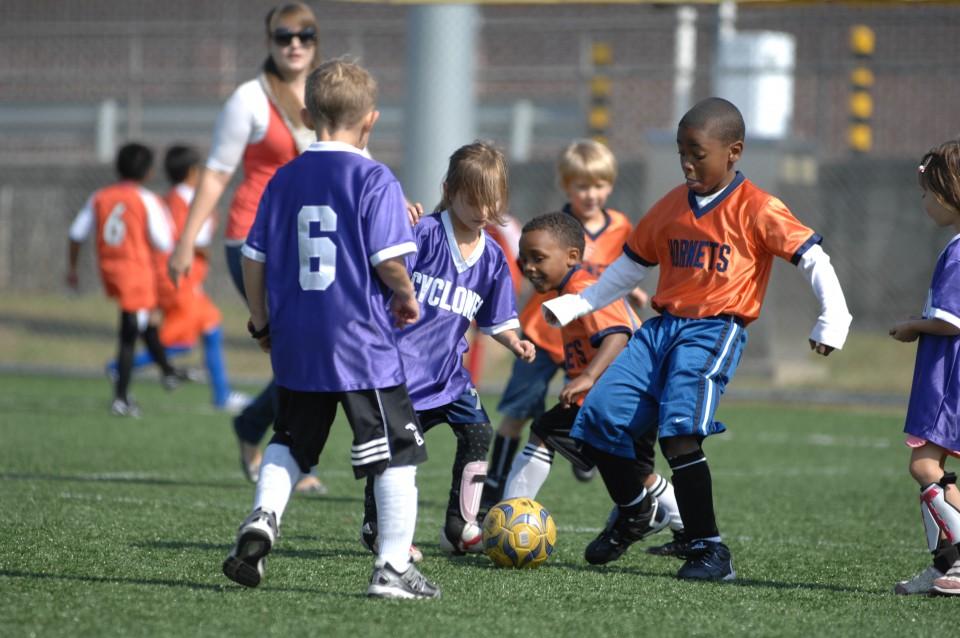 voetbal sporten Sportend het schooljaar in!