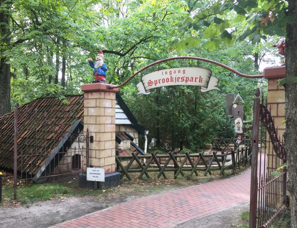 { Dagje uit }   Speelpark Sprookjeshof in Zuidlaren