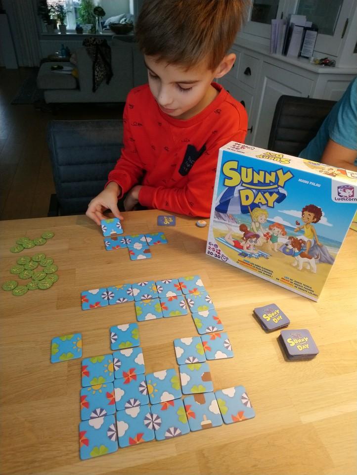review Sunny Day van Asmodee