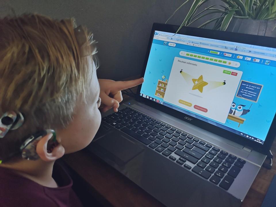 Thuis extra schoolstof oefenen op Slimleren.nl