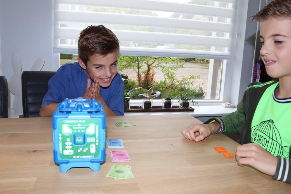 Spelregels Bank Attack speluitleg review