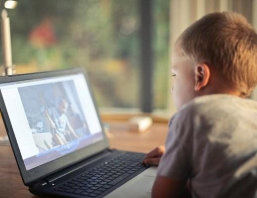 Zo kunnen je kinderen toch hun series kijken op vakantie