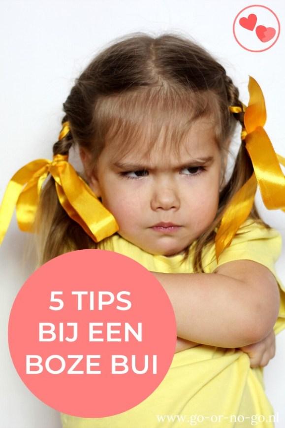 Boze buien worden vooral als lastig en vervelend ervaren. Om jou als ouder te helpen tijdens een boze bui van je kind, heb ik wat tips voor je opgeschreven.
